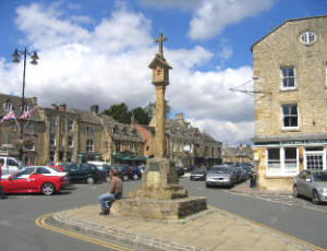 stow on the wold cross and sundial in the market place david stowell